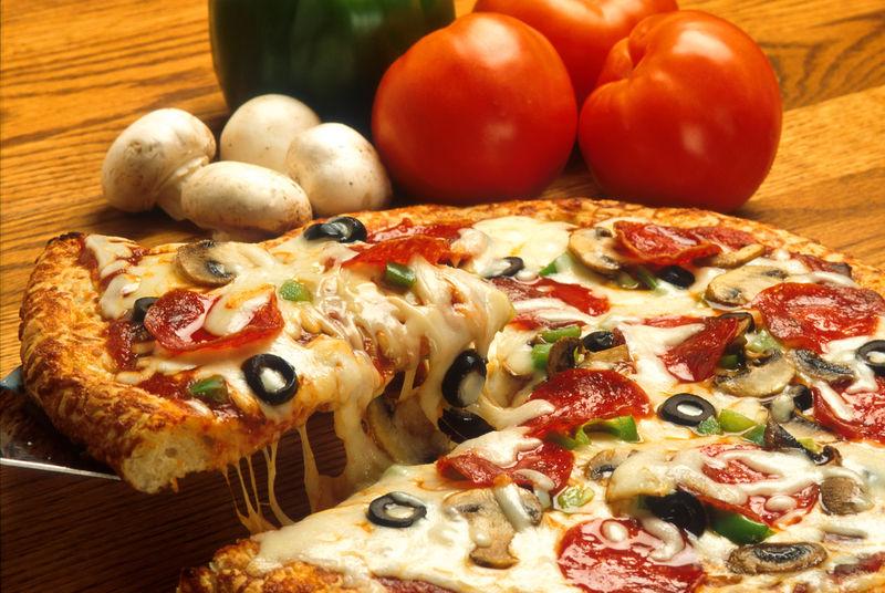 Clique na imagem para uma versão maior  Nome:         800px-Supreme_pizza.jpg Visualizações:99 Tamanho: 130,6 KB ID:      30309