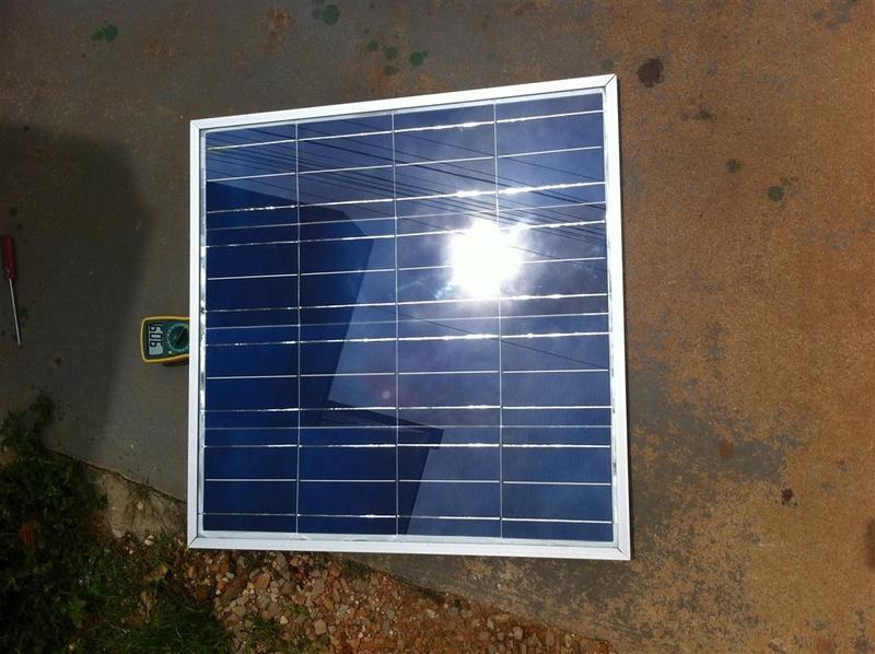 Painel solar de construção caseira, 64 x 64 centimetros, 4 x 4 células de 0.551v x 3.68A