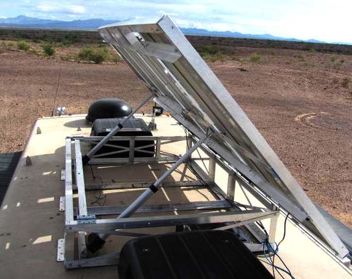 Clique na imagem para uma versão maior  Nome:         sun_tracking_camper_roof_solar_panels_tilting_electro_hydraulic_rams.jpg Visualizações:184 Tamanho: 55,3 KB ID:      62656